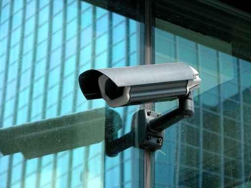 Les avantages et désavantages des caméras cachées